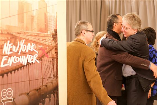New York Encounter friends greet each other. Photo by Elisa Zocchi