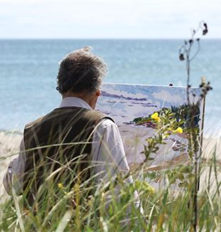 Artist Painting the Seascape. Creative Commons CC0