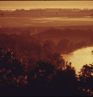 View of the Missouri River from the Abbey of Benedictine College. Photographer Patricia Duncan via Wikimedia Commons