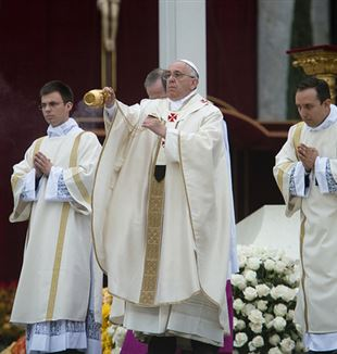 Pope Francis at the Mass for the Canonization of John Paul II and John XXIII. Flickr