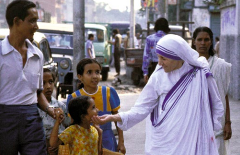 Mother Teresa on the streets of Calcutta.