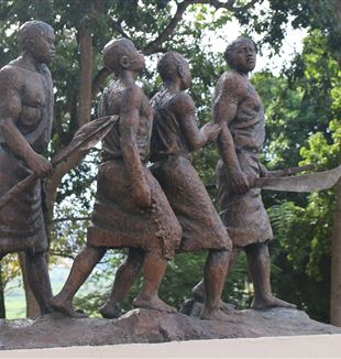 Monument of Uganda Martyrs and their oppressors, walking towards Namugongo. Wikimedia Commons