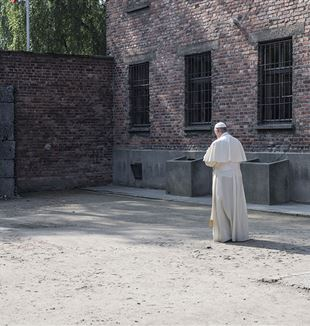 Pope Francis at Aushwitz. Wikimedia Commons