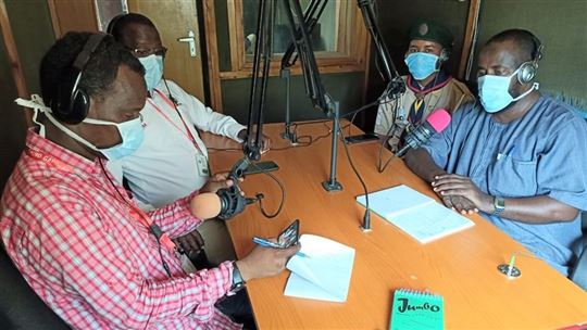 Lesson via radio at the Dadaab refugee camp