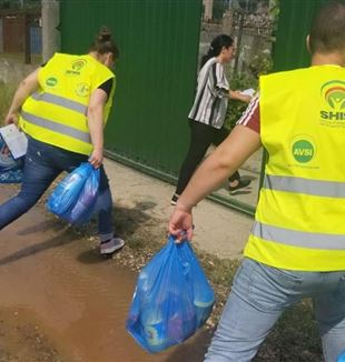 SHIS volunteers working in Albania