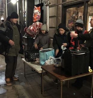 One City Mission volunteers with the homeless in New York