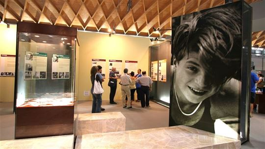 The exhibition on ''The White Rose'' at the 2005 Rimini Meeting (Photo: Archivio Meeting)